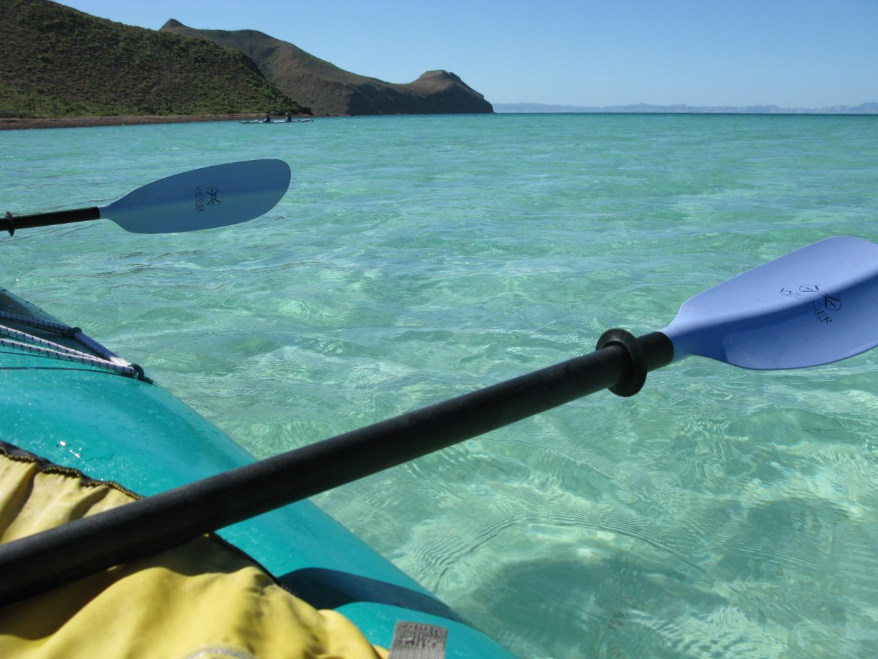Sea kayaking at La Partida, where the sea turtles feed, Isla Espiritu Santo