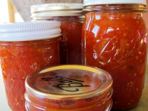 Smelter Stomp Red Sauce in jars